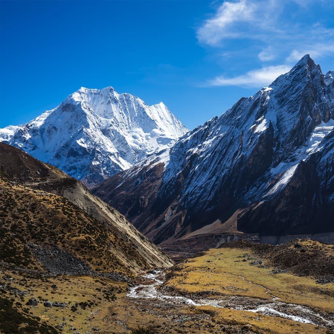 región virgen de trekking en nepal