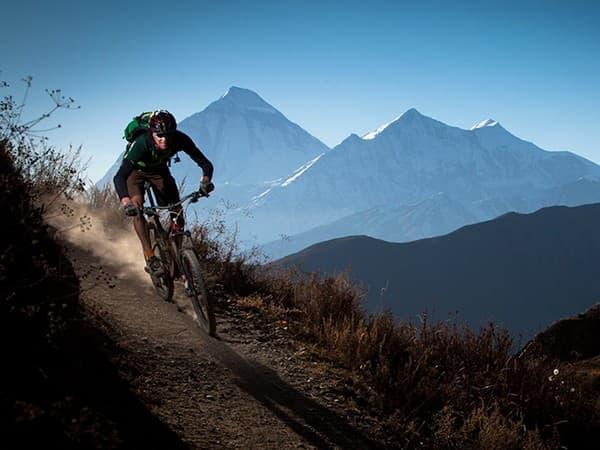 deportes extremos en nepal con btt