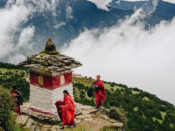 viaje a Bután monjes kora