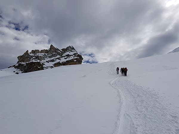 subiendo al campo alto del Mera Peak