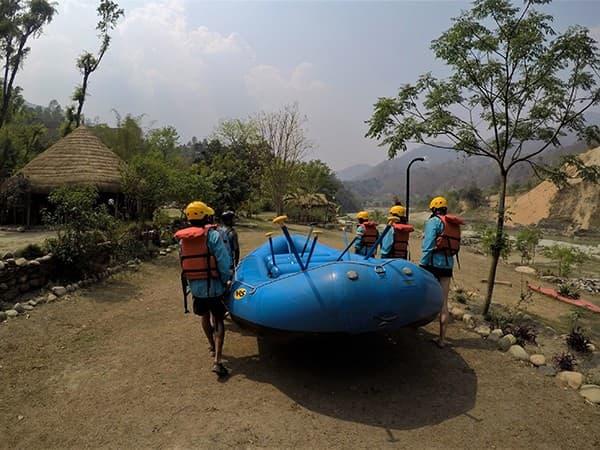 deportes extremos de nepal y rafting