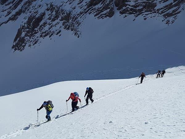 deportes extremos en nepal, esquí de montaña