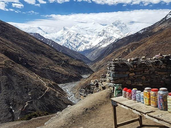 Vista de los Annapurna III del circuito de los annapurnas