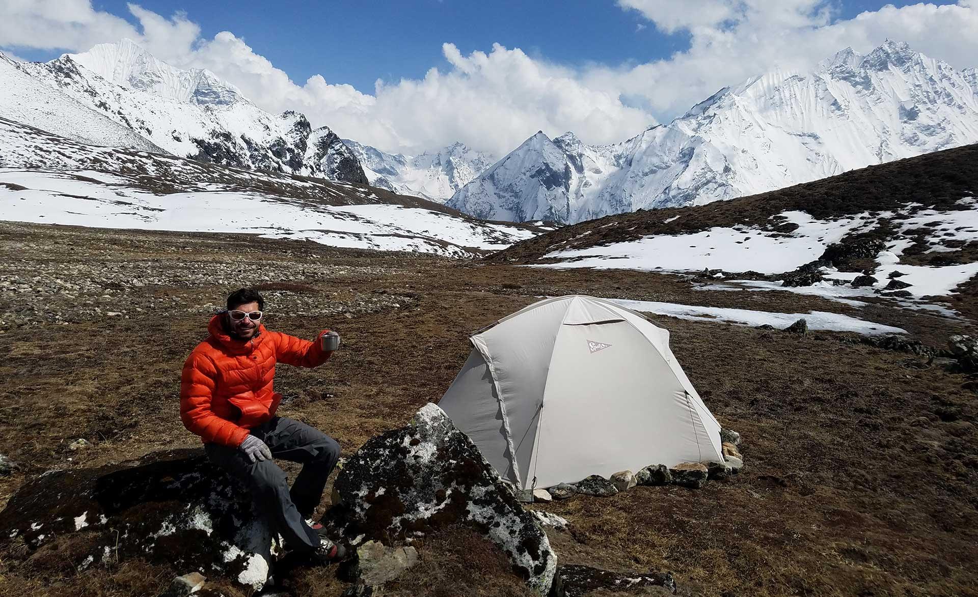 campo base del yala peak