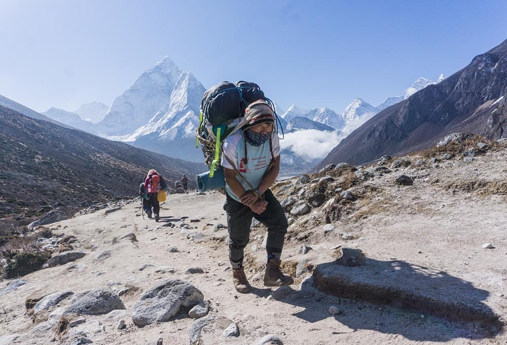 porteadores en nepal