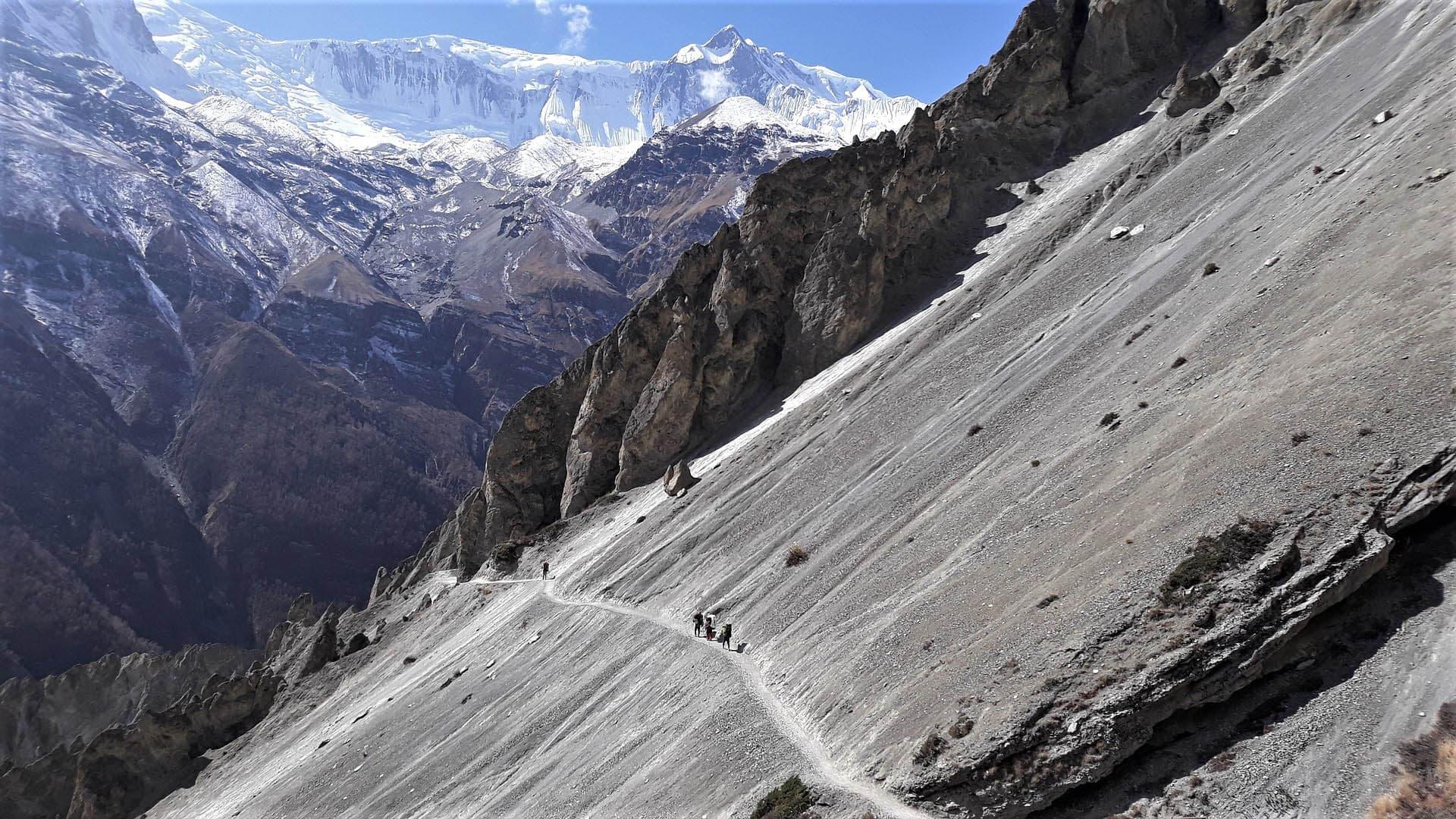 subiendo hacia el lago tilicho, annapurna