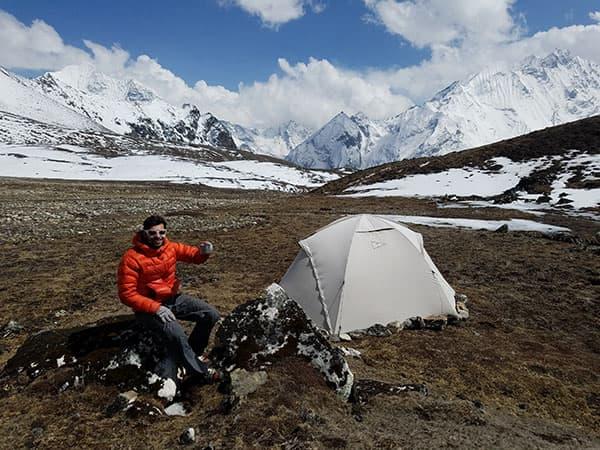 el campamento base del yala peak